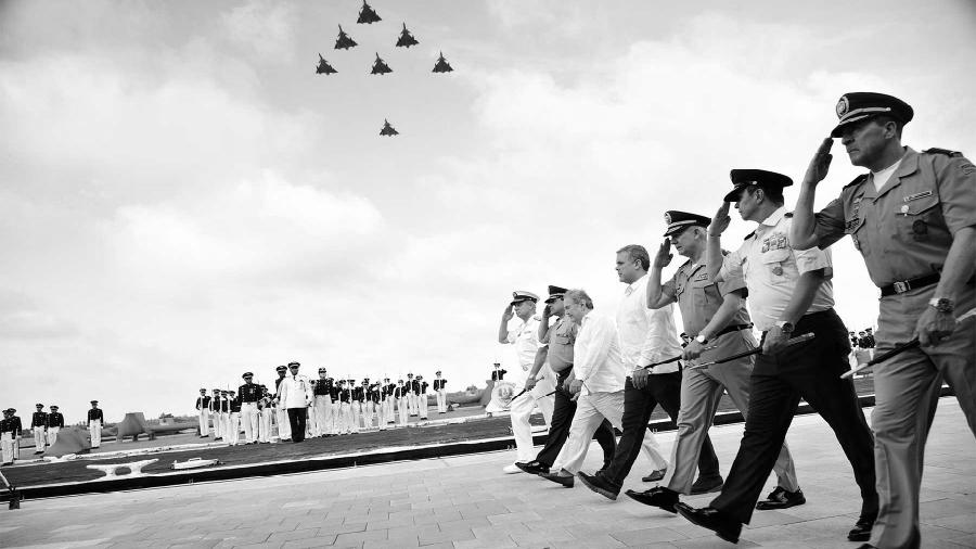 Colombia fuerza aerea Ivan Duque la-tinta