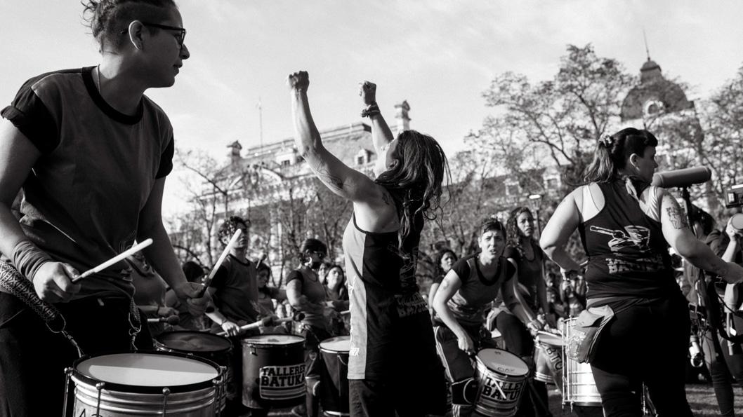 ENM-La-Plata-Colectivo-Manifiesto-Feminismo-fuerza-mujeres
