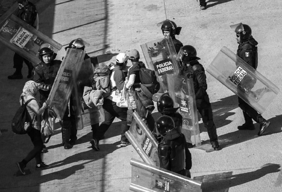 Estados Unidos inmigrantes policia la-tinta