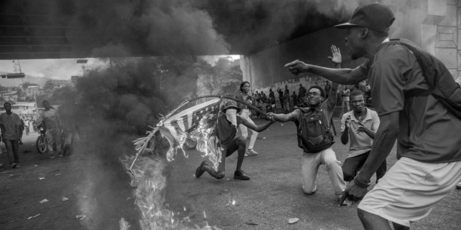 Haiti protestas la-tinta