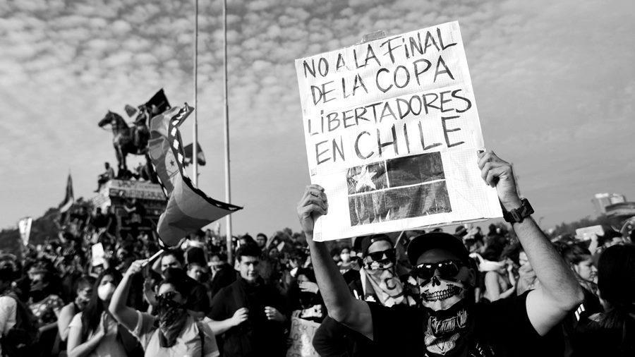 final-libertadores-chile-protesta