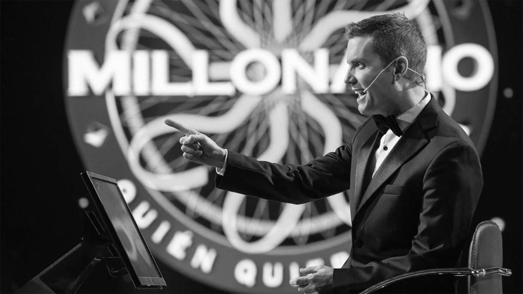 television-quien-quiere-ser-millonario-santiago-del-moro-programa-02B