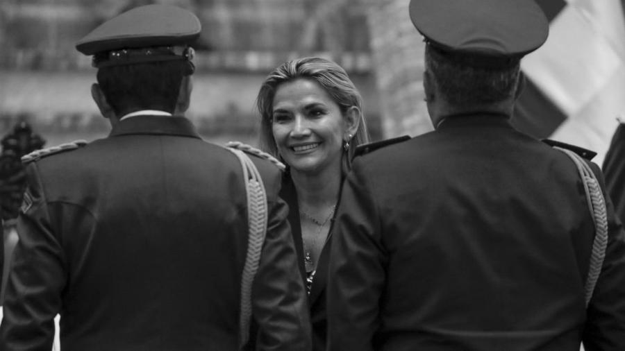 Bolivia Janine Añez militares la-tinta