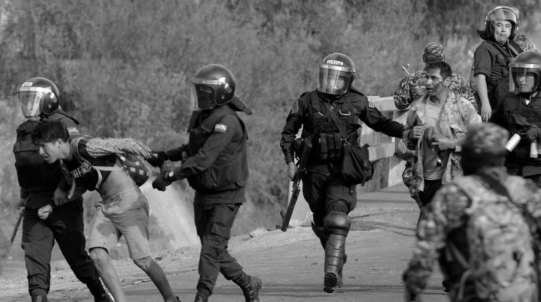 Bolivia represion policial la-tinta