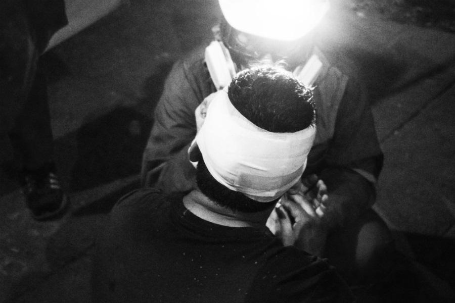 Chile Cascos Rojos atienden a heridos la-tinta