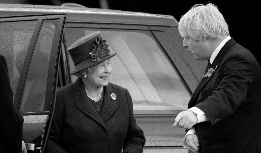 Gran Bretaña Reina Isabel Boris Johnson la-tinta