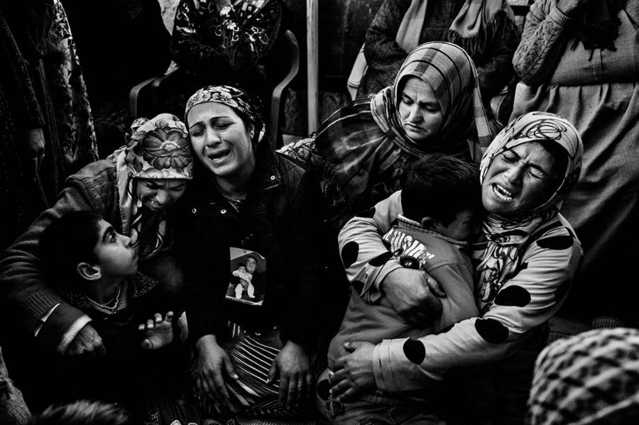 Kurdistan mujeres y niños la-tinta
