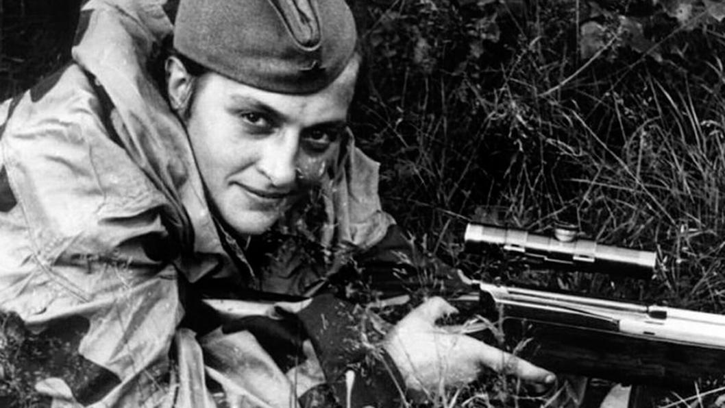 Liudmila-Pavlichenko-guerra-francotiradora-01