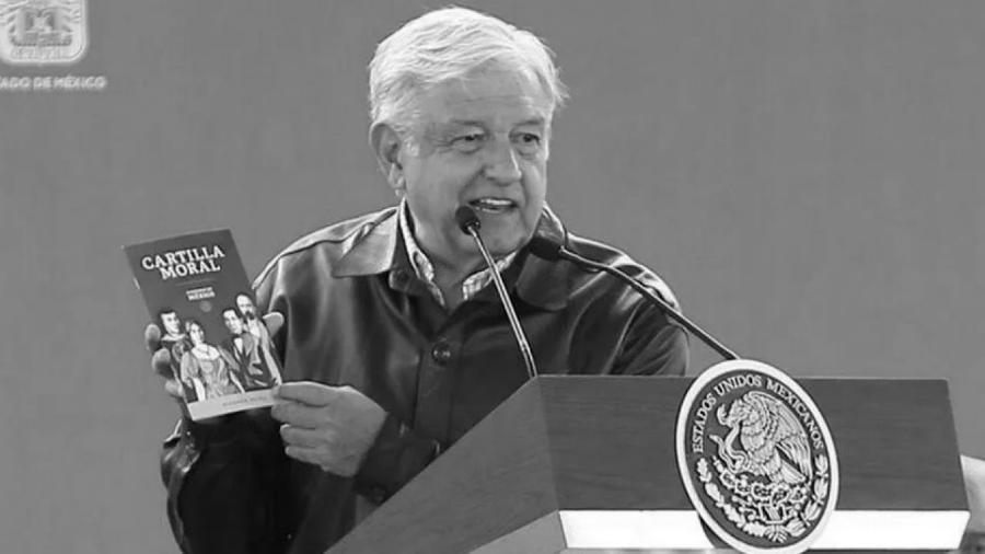 Mexico AMLO cartilla moral la-tinta