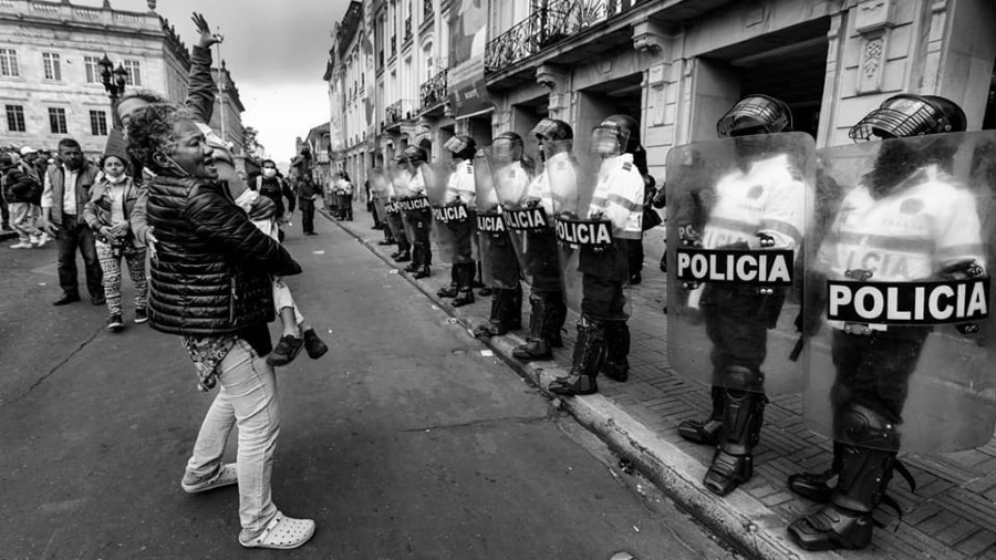 Colombia Bogota coronavirus policia la-tinta