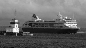 Cuba: entre el tanquero del bloqueo y el crucero de la solidaridad