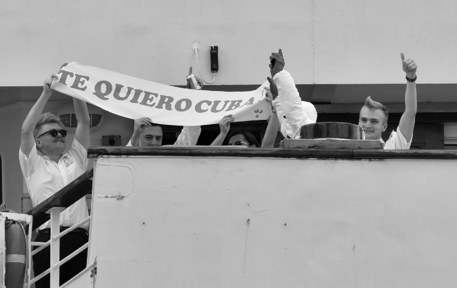 Cuba crucero britanico solidaridad la-tinta