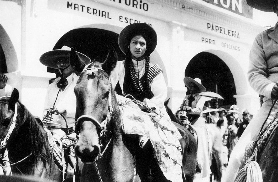 Mexico mujer revolucionaria la-tinta