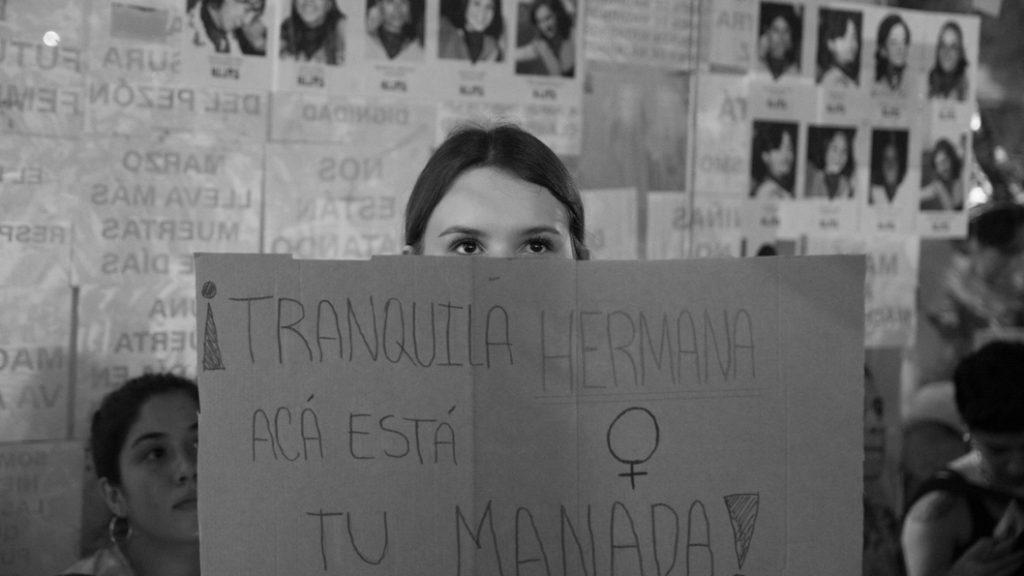 Paro-8M-mujer-adolescente-hermana-feminismo