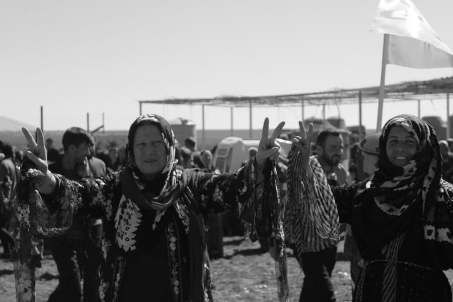 Rojava mujeres en lucha la-tinta
