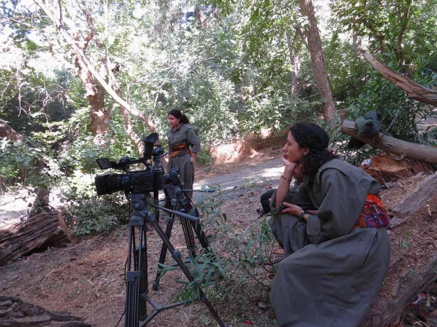 13 Kurdistán Qandil guerrilleras la-tinta