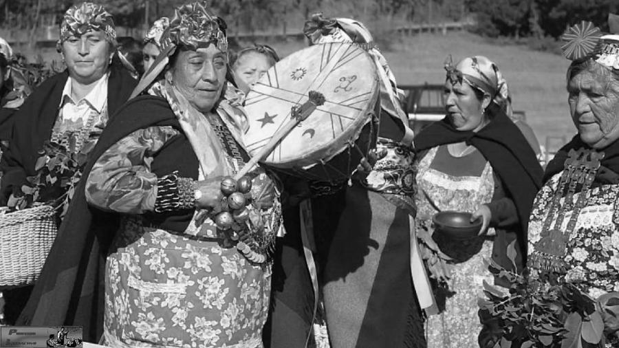 Chile mujeres mapuche ceremonia la-tinta