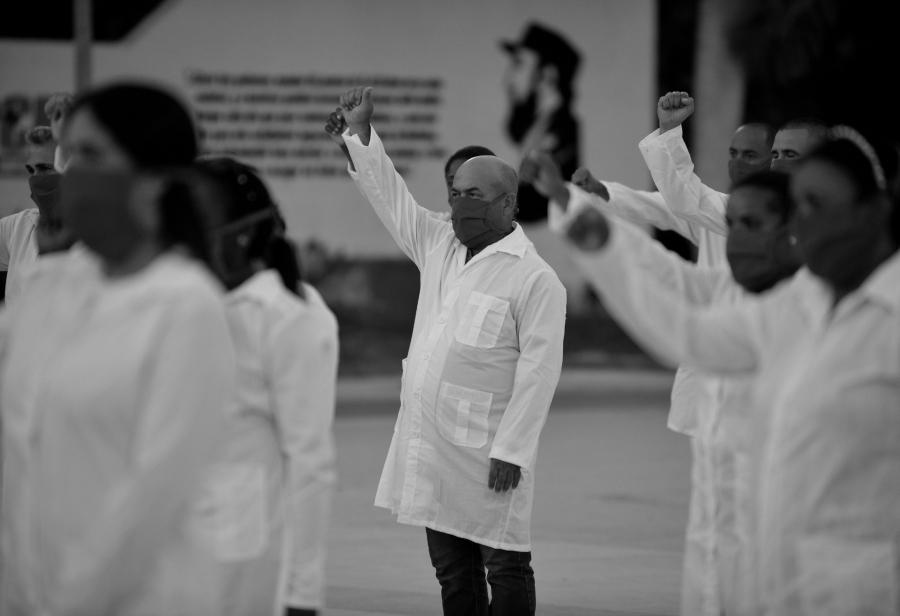 Cuba medicos Fidel la-tinta
