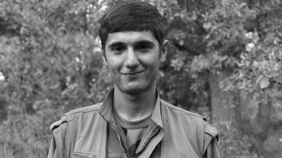 Kurdistan guerrillero de las HPG Agit Ipek la-tinta