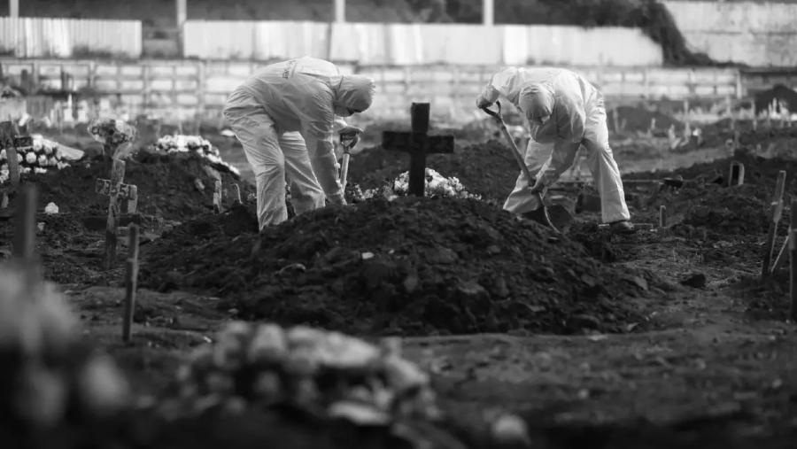 Brasil muertos por coronavirus tumbas la-tinta-jpg