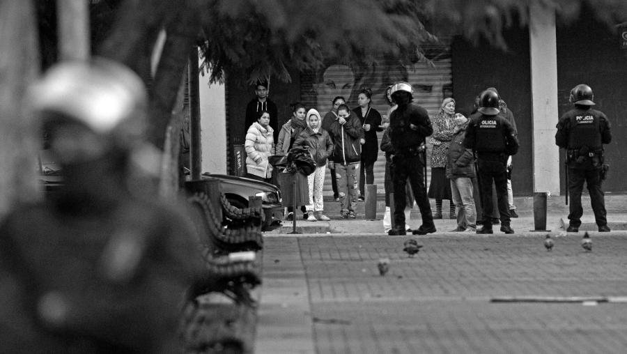 España El Besos BArcelona policia la-tinta