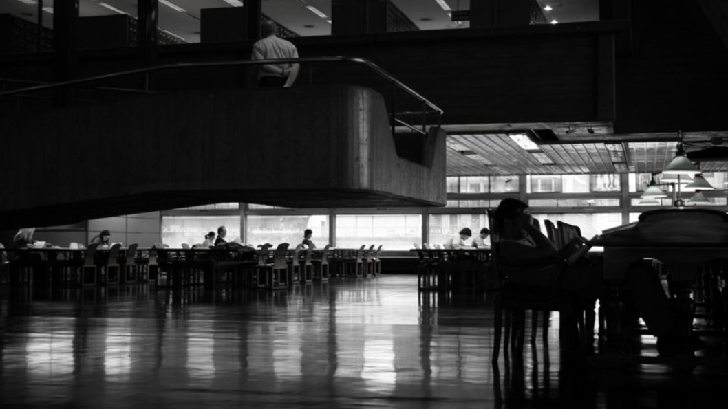 museo-leer-literatura-libro-biblioteca-esperar