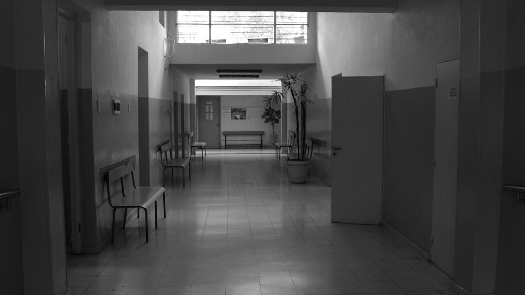 neuro-salud-mental-vacio-encierro-sala-espera-hospital-