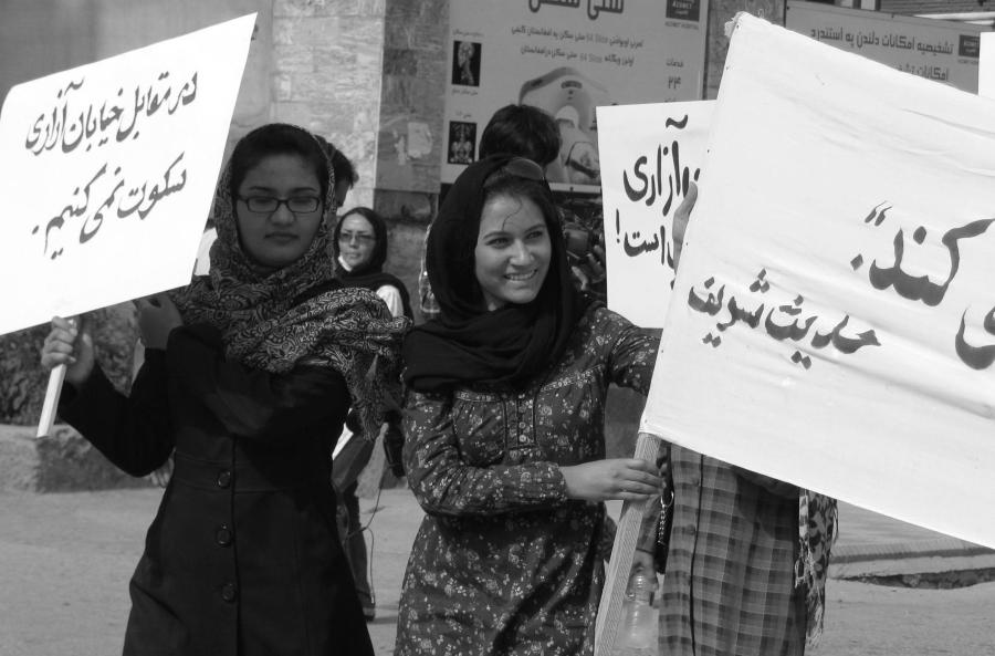 Afganistan Kabul mujeres protesta la-tinta