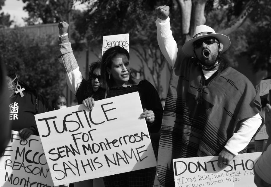 Estados Unidos Sean Monterrosa protesta la-tinta