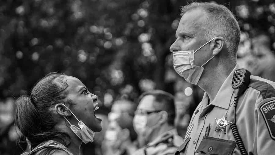 Estados Unidos manifestantes policias la-tinta