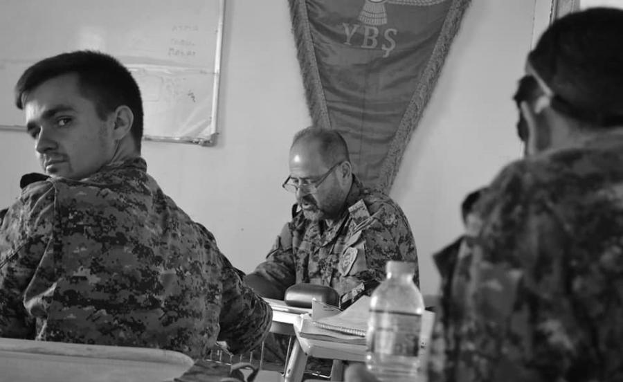 Kurdistan Shengal Bahuz Sores instruccion militar la-tinta