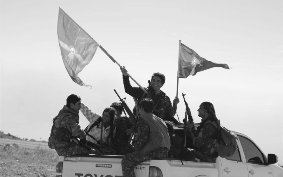 Kurdistan Shengal milicianos y milicianas YBS la-tinta