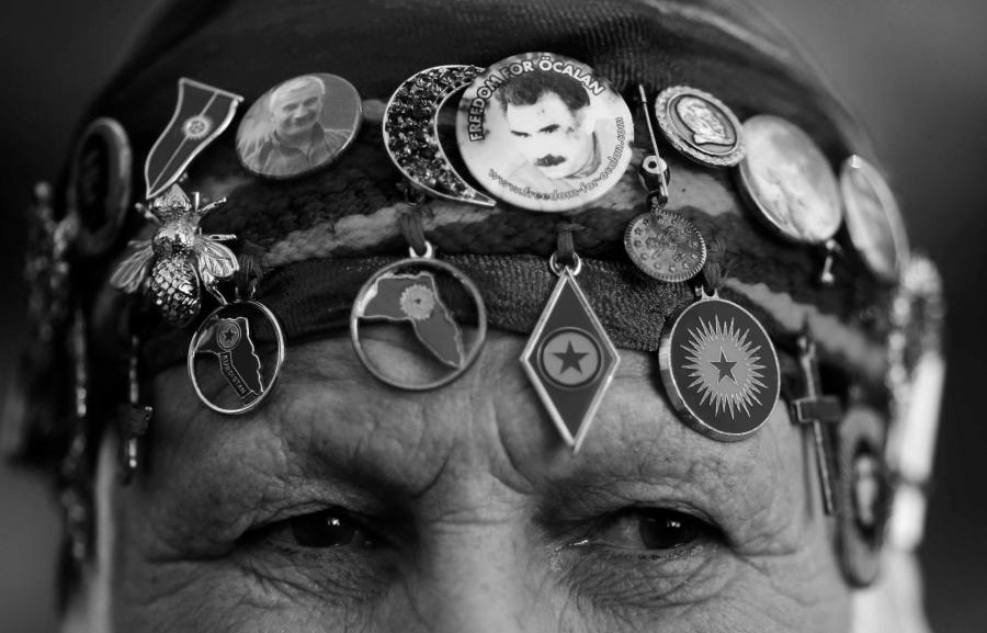 Kurdistan mujer PKK la-tinta