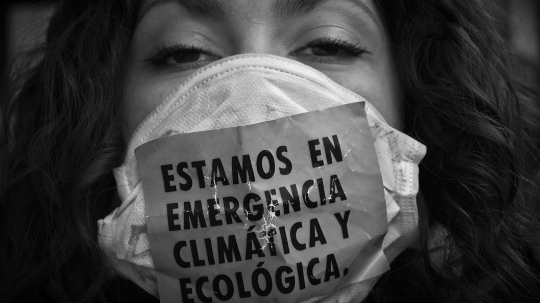 mujeres-ambiente-ecologia-emergencia-barbijo-originarios-amazonia-lara-otero