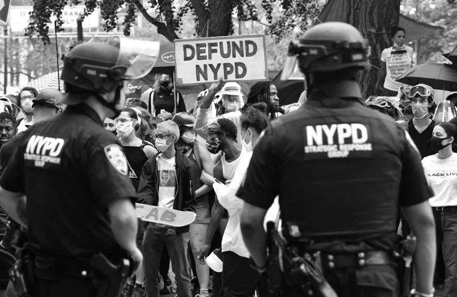 Estados Unidos New York policia manifestantes la-tinta
