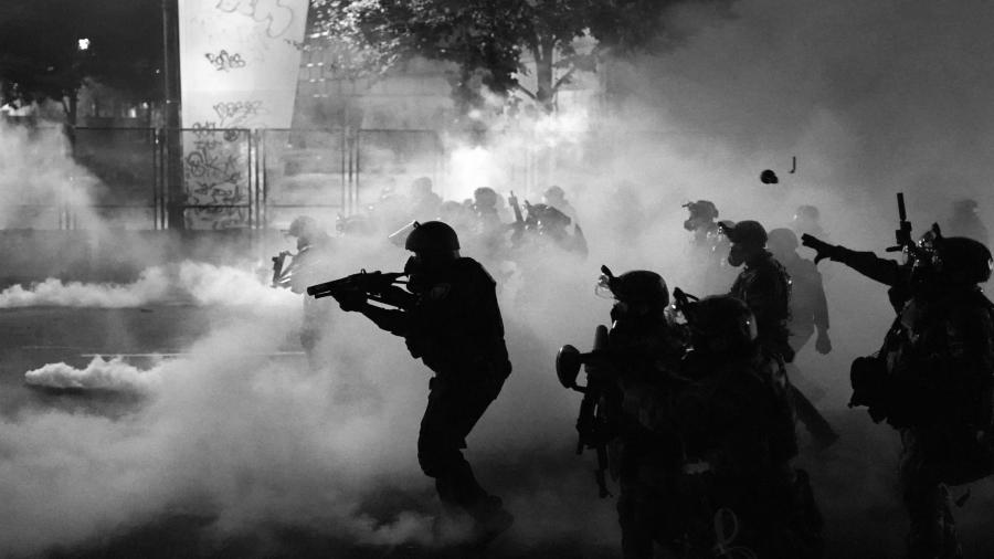 Estados Unidos represion policial en las calles la-tinta