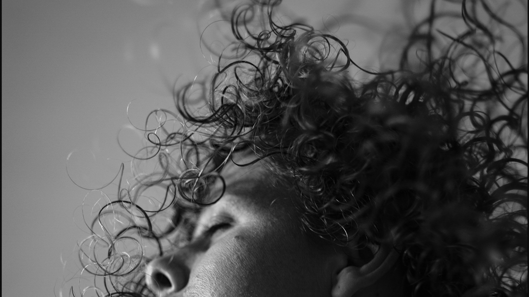 Mar-Sanchez-Rial-rulos-pelo-retrato-01