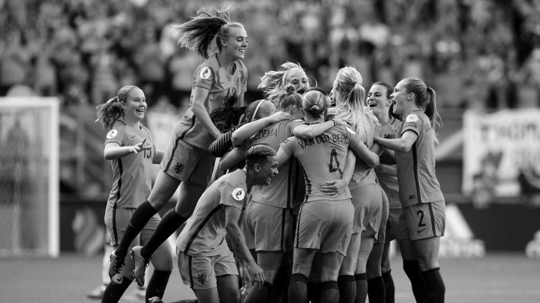 futbol-femenino-festejo-holanda-literatura