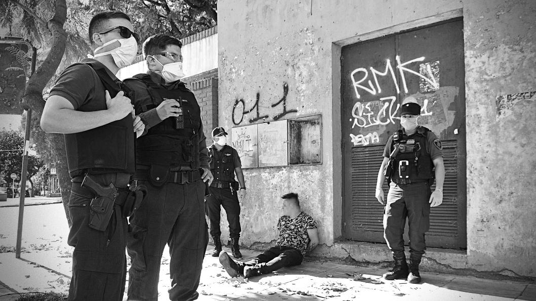 policia-cuarentena-correpi