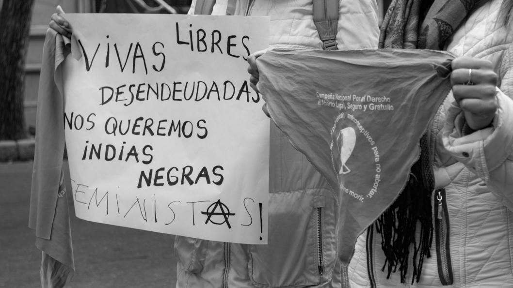 3-J-violencia-género-ni-una-menos-mujeres-marcha-indias-negras
