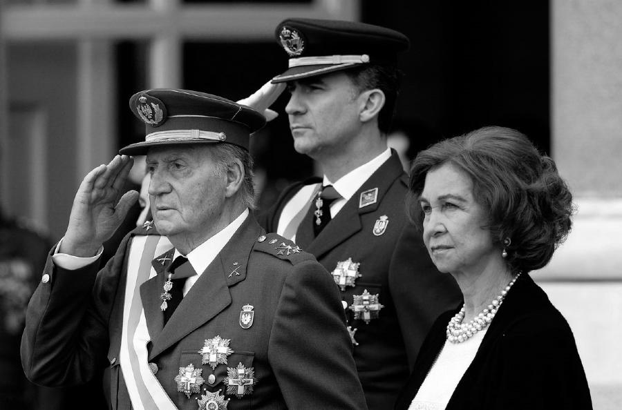 España rey Juan Carlos militar la-tinta