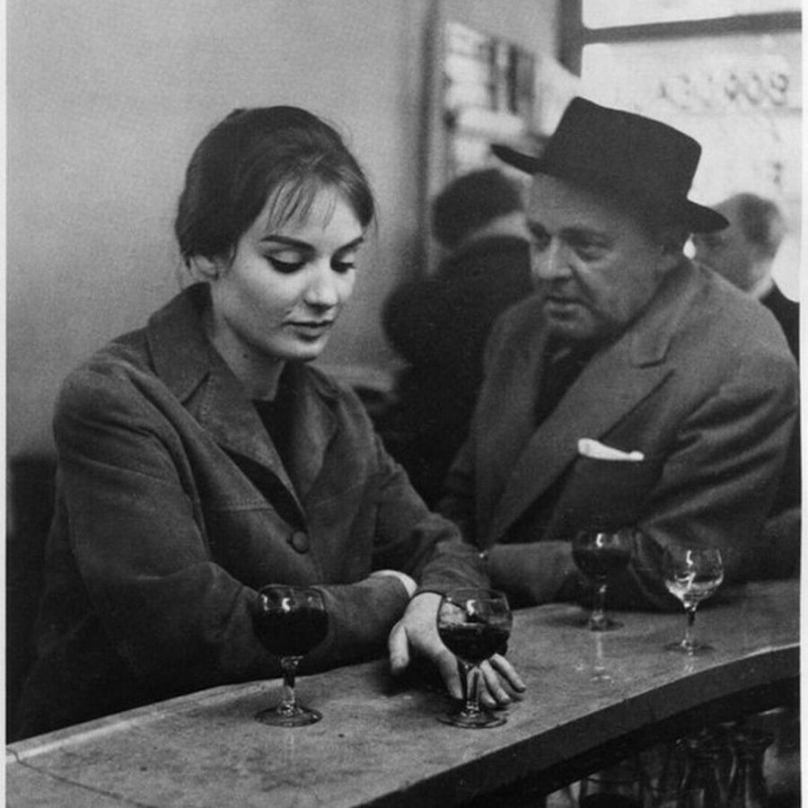 Robert-Doisneau-mujer-hombre-vino-cafe-paris