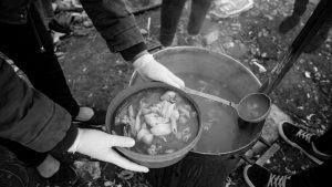 Hambre en las villas: harinas, hidratos de carbono y ultraprocesados para llenar la panza