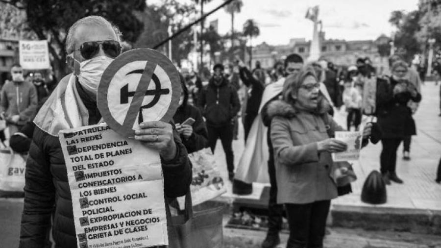 Argentina anticuarentena la-tinta