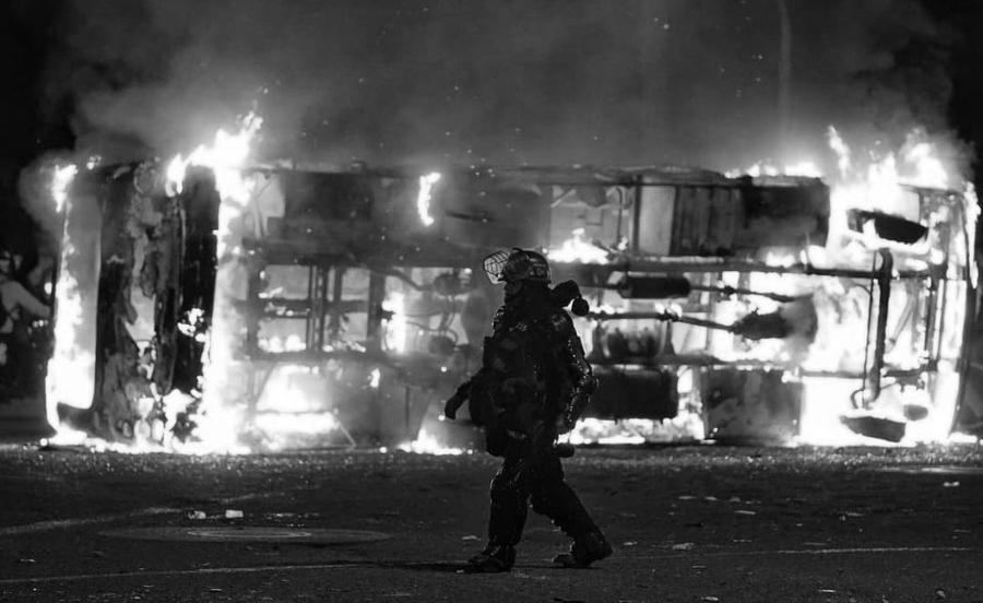 Colombia policia protestas la-tinta