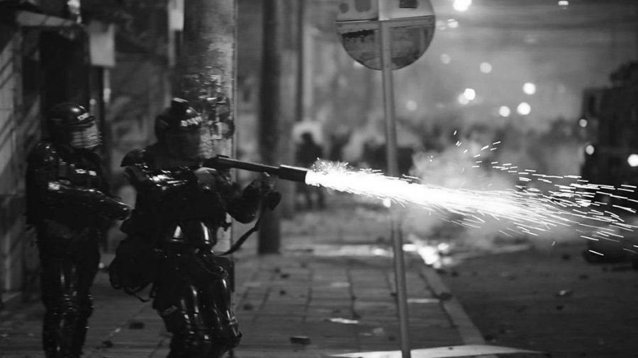 Colombia represion policial en Bogota la-tinta