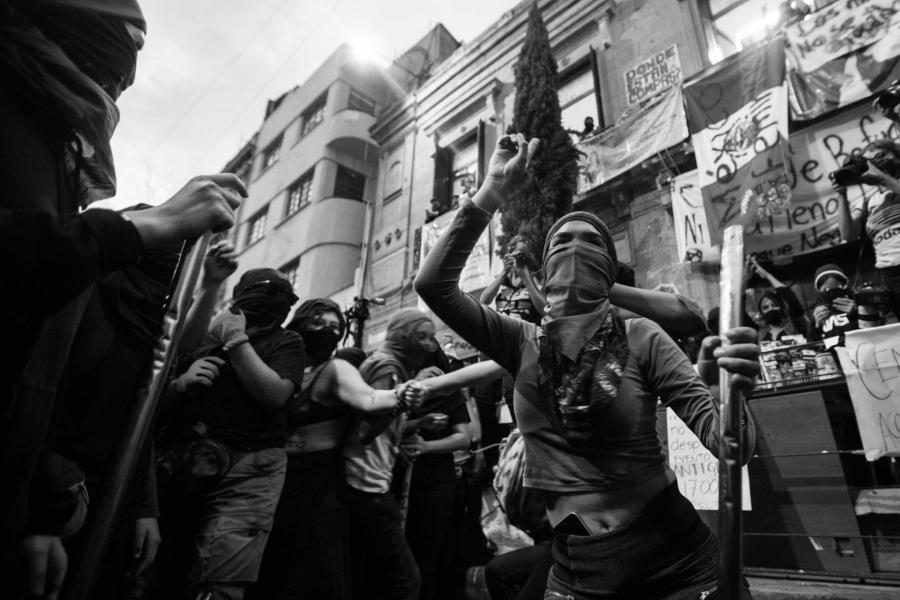 Mexico Okupa feminista protesta la-tinta