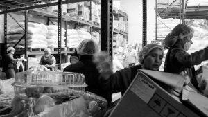 Bancos de alimentos: o cómo logra la industria vender sobras a los pobres