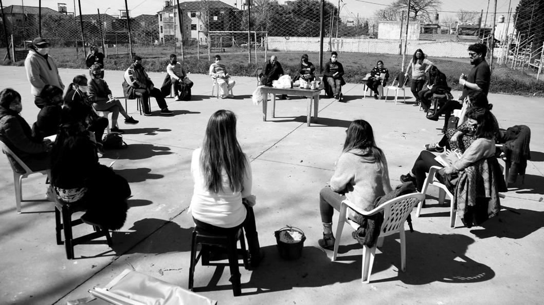 cuidados-mujeres-trabajo-ronda-encuentro-1