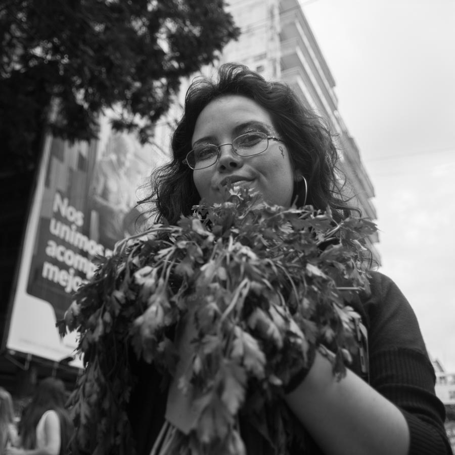 perejil-mujer-aborto-feminismo-retrato-la-tinta